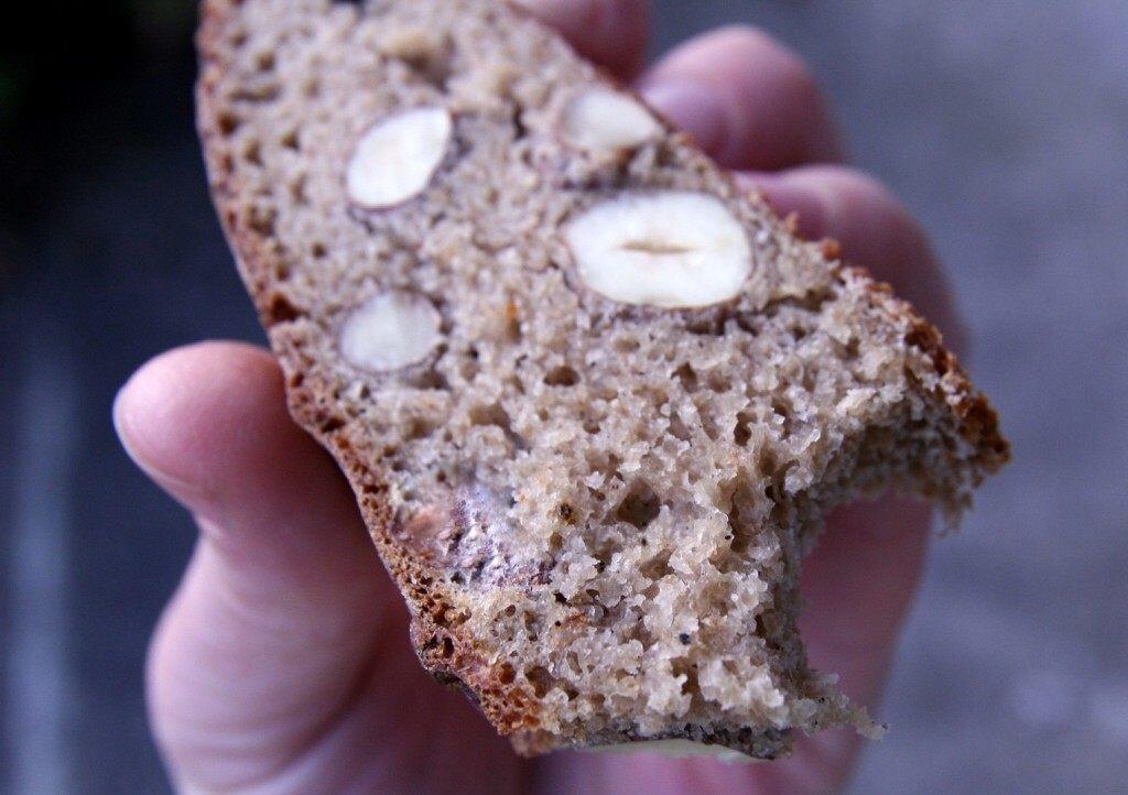 Pain aux noisettes et à la farine de châtaignes