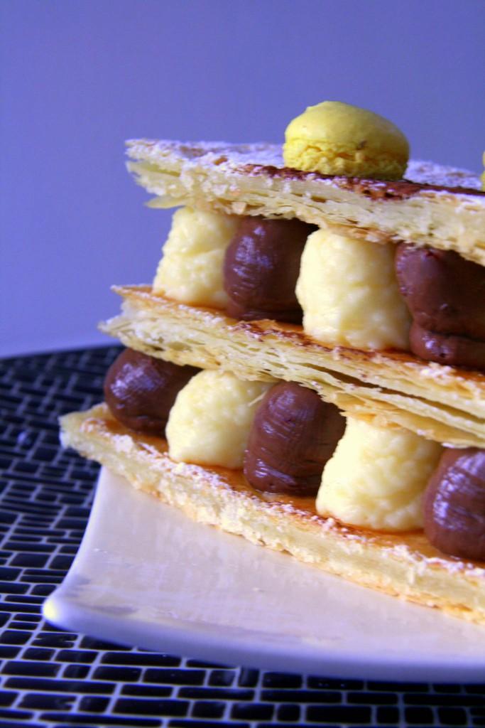 Millefeuille Sauternes-huile d'olive et chocolat-tonka