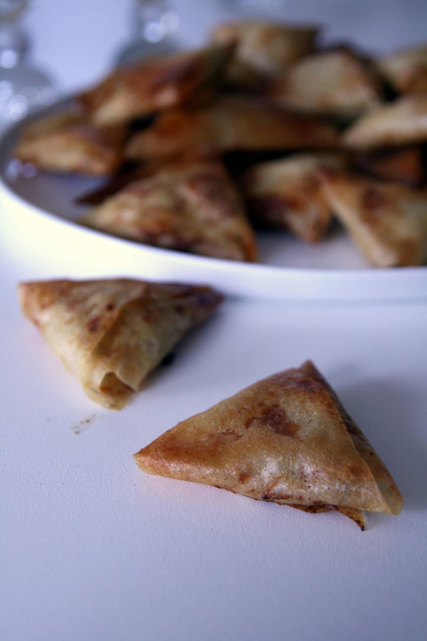 Triangles croustillants au poulet et au curry