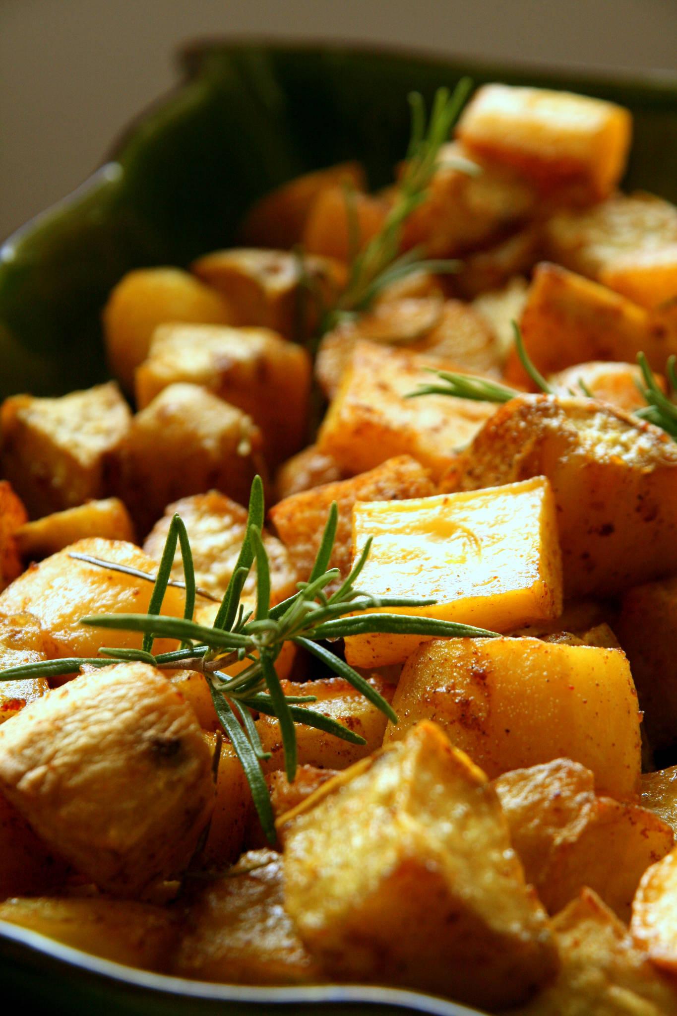 Duo de patates aux épices et au romarin