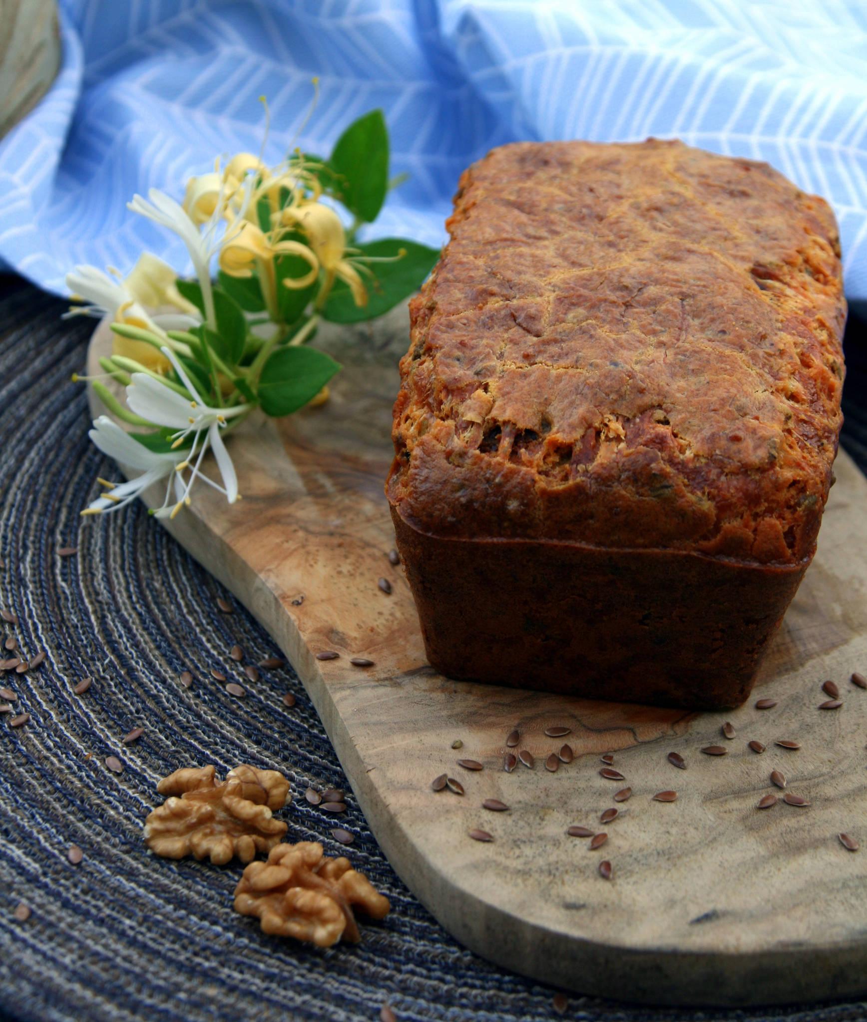 Cake au bleu de bresse aux noix et au miel graines de for Noix de muscade cuisine