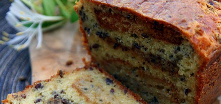 Cake au bleu, aux noix et au miel, graines de lin et muscade