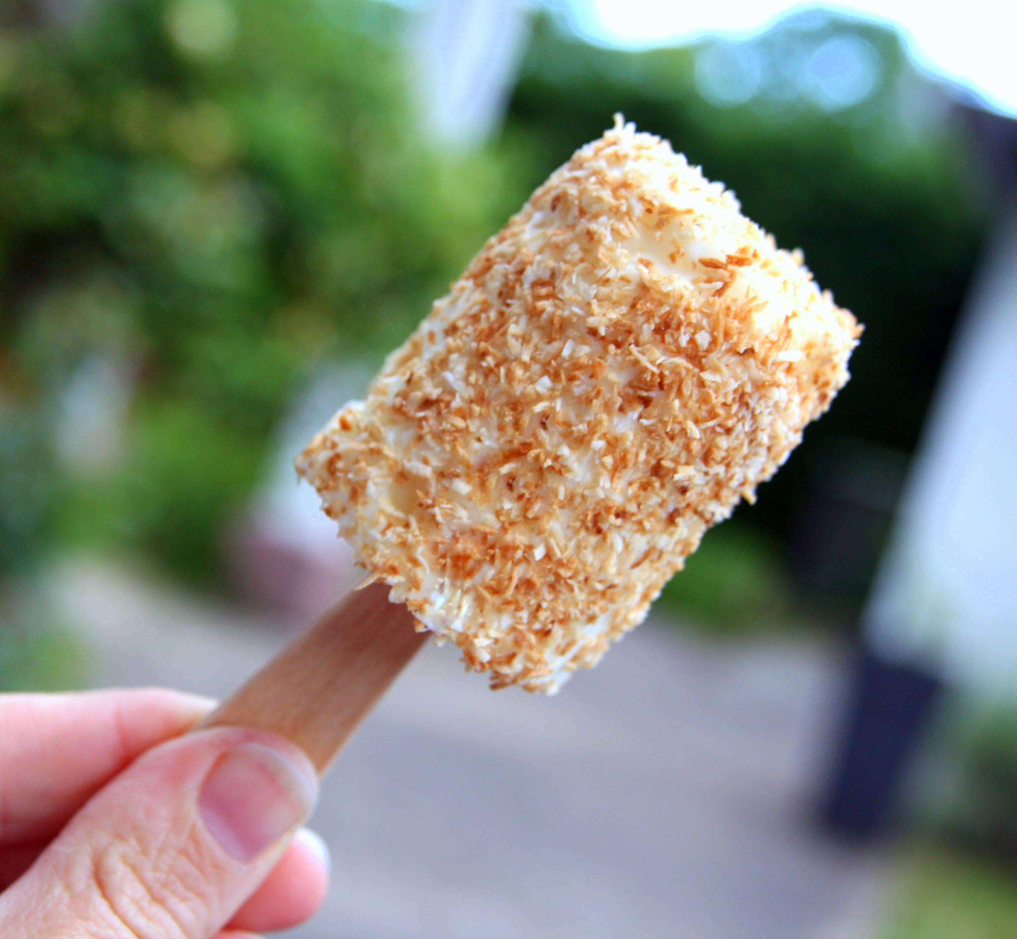 Petit-suisse glacé à la noix de coco