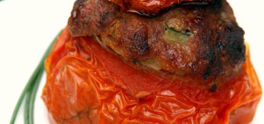 Tomates farcies aux trois viandes et aux courgettes