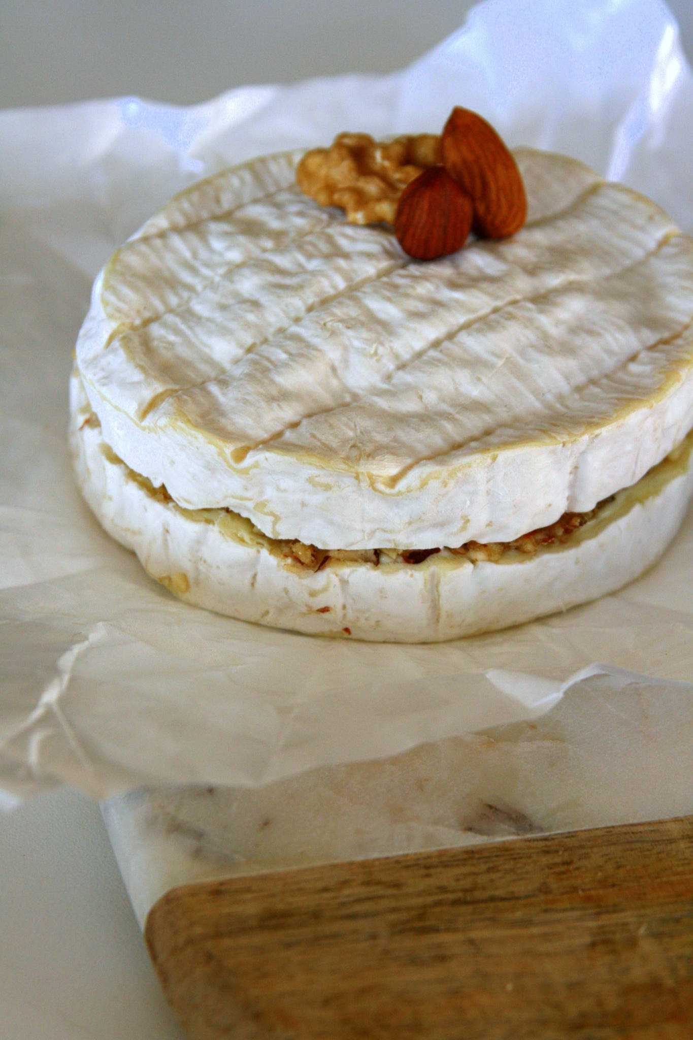 Camembert aux fruits secs et au miel