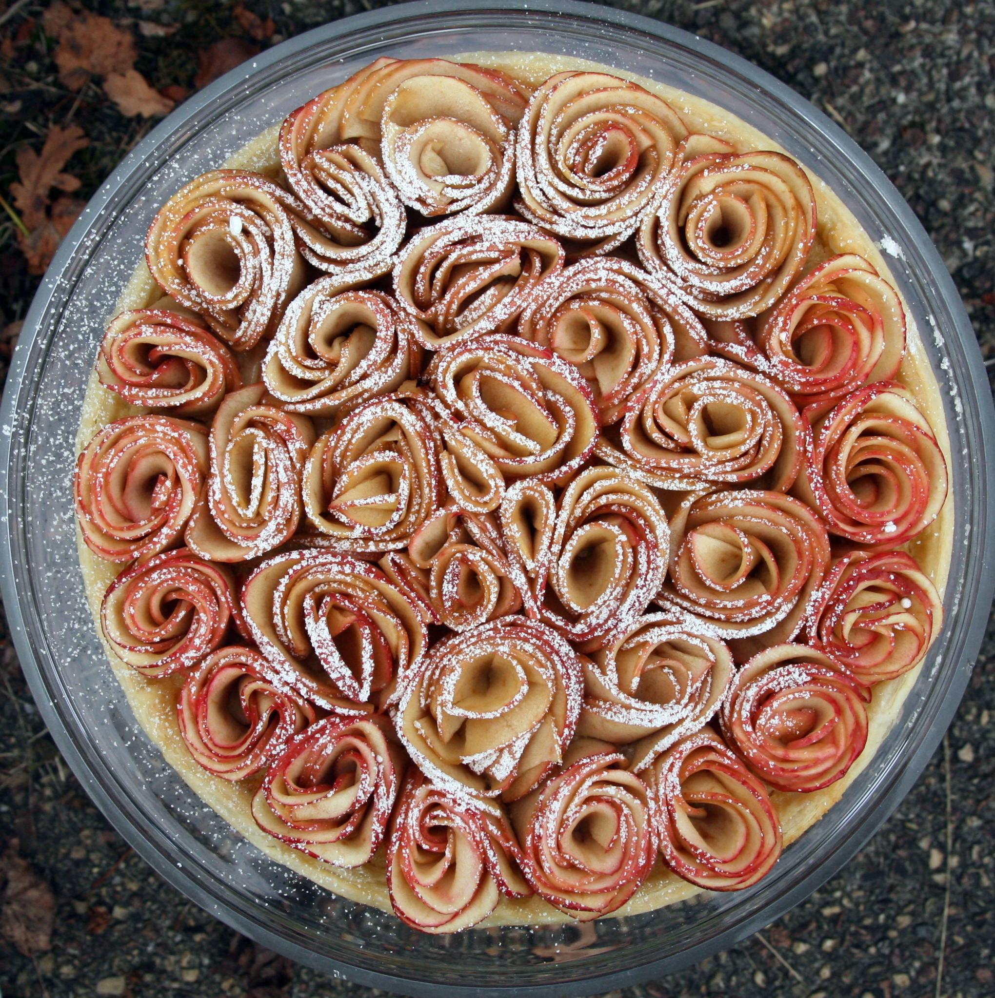 Tarte aux pommes bouquet de roses à la crème d'amandes