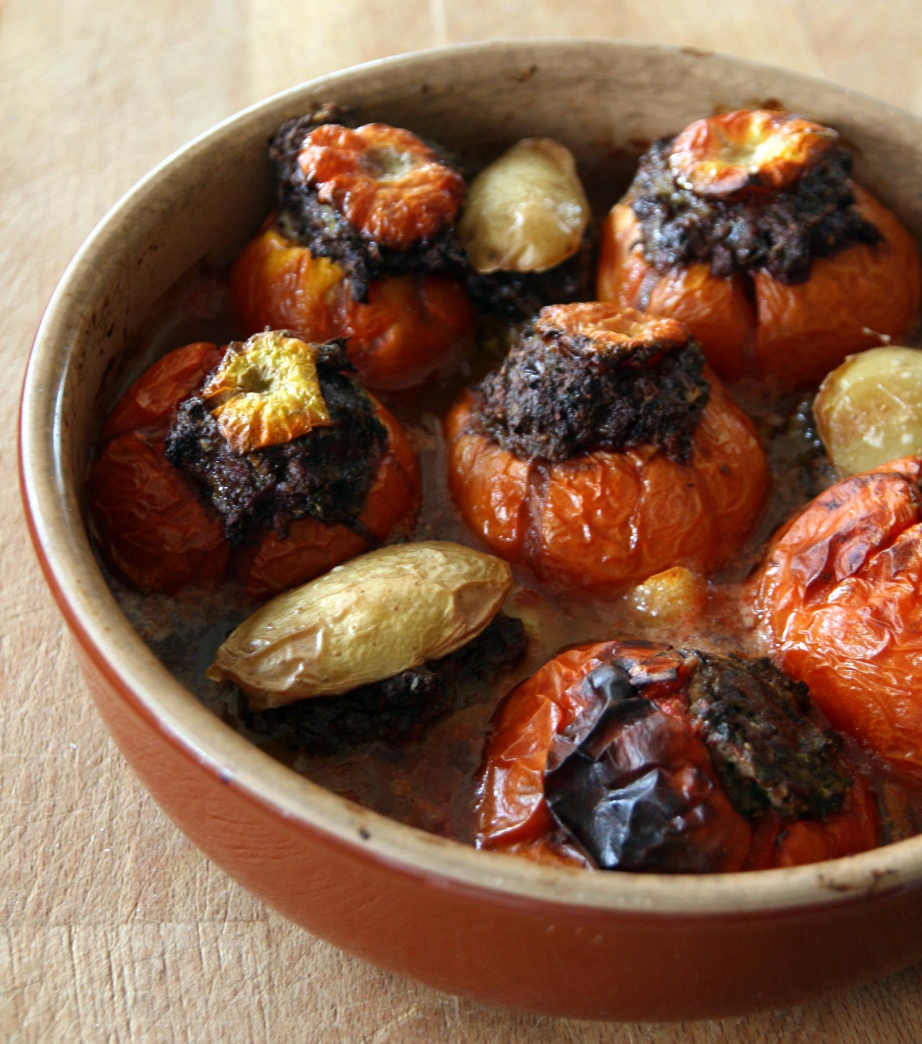 Tomates et pommes de terre farcies au canard