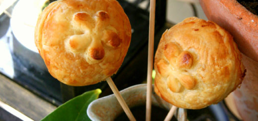 Mini-feuilletés à la pomme de terre & huile de truffe