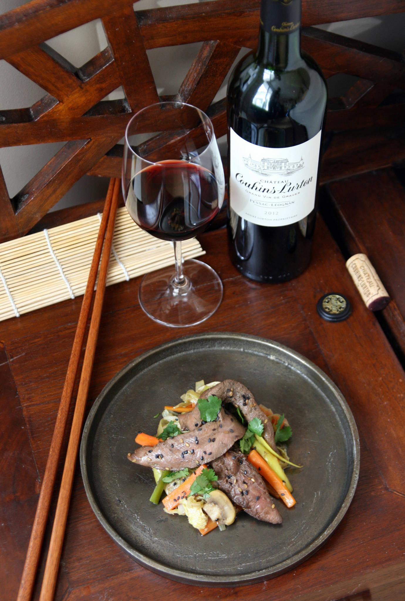 Wok de canard aux légumes d'hiver, Château Couhins-Lurton rouge 2012