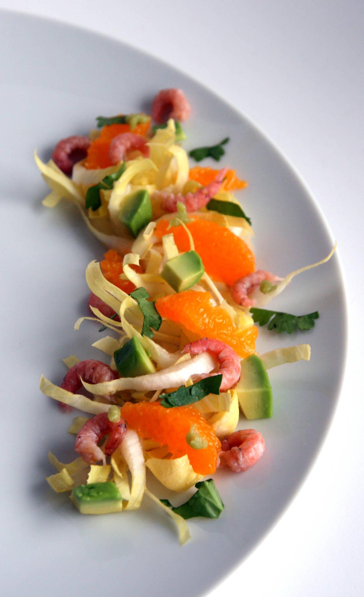 Salade d'endives aux crevettes grises, avocat, mandarine & wasabi